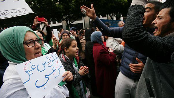 مظاهرة في الجزائر- أرشيف رويترز