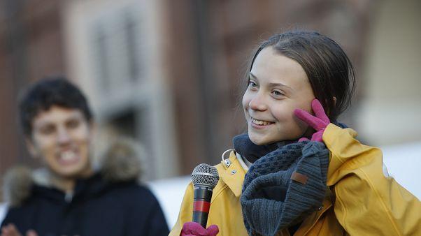 La activista sueca Greta Thunberg asiste a una marcha por el clima, en Turín, Italia, el viernes. 13 de diciembre de 2019
