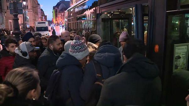 Dia de greve e coletes amarelos em França