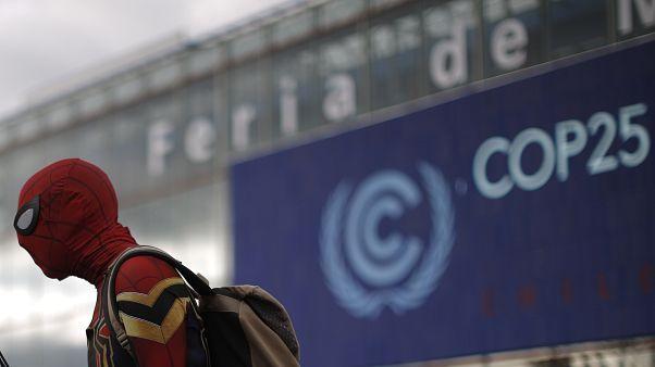 """COP25: España logra """"in extremis"""" un compromiso más ambicioso para reducir las emisiones de CO2"""