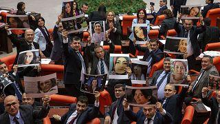 Meclis'teki Las Tesis protestosu sosyal medyada tartışma yarattı