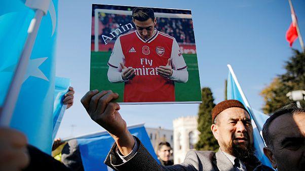 حمایت اوزیل از اویغورها؛ تلویزیون چین پخش بازی آرسنال را لغو کرد