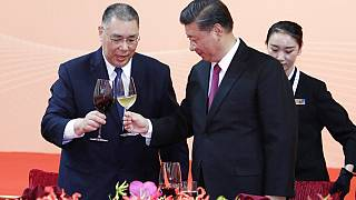 """O presidente chinês brinda ao """"regresso"""" de Macau"""
