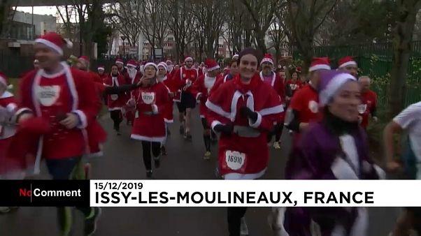 مسابقه بابانوئلها در پاریس برای کمک به کودکان بیمار