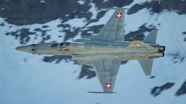 آمریکا به دنبال خرید جنگندههای قدیمی سوئیس