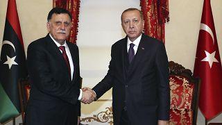 الرئيس التركي طيب رجب أردوغان يستقبل رئيس حكومة الوفاق الليبية فايز السراج