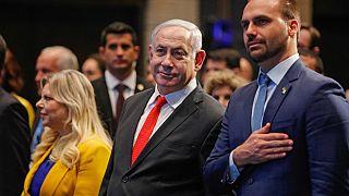 Benjamin Netanyahu et Eduardo Bolsonaro lors de la cérémonie d'ouverture d'un bureau économique brésilien à Jérusalem, le 15 décembre 2019