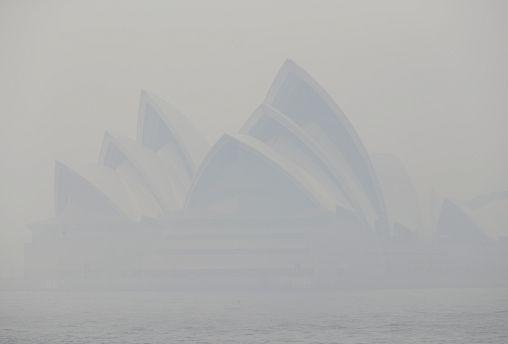 Смог от лесных пожаров в Сиднее
