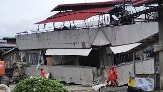 Αναζητούν επιζώντες μετά τα 6,8 Ρίχτερ στις Φιλιππίνες