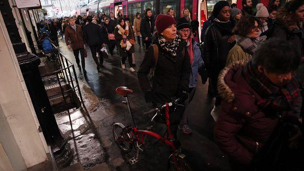 """Франция: будет ли """"рождественское перемирие""""?"""