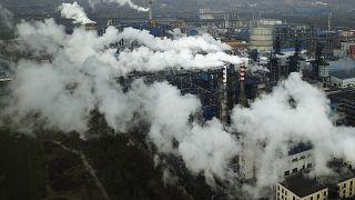 Karbondioksit kirliliği rekor kırıyor; Yeryüzü hızla ısınıyor: Ülkeler çözümden çok uzakta