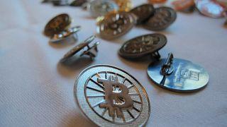 Bitcoin kullanıcıları kayıp 135 milyon doların peşinde:' İş insanının mezarı otopsi için açılsın'
