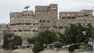 تب دنگی جان دهها هزار یمنی را تهدید میکند