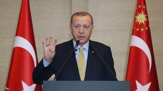 Türkiye Cumhurbaşkanı Recep Tayyip Erdoğan, İsviçre'ye göçün 50. yılı vesilesiyle düzenlenen etkinliğe katılarak konuşma yaptı