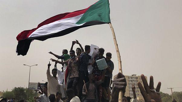 Sudan, Hizbullah ve Hamas'ın ofislerini kapatacak