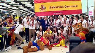 Recibimiento de oro a 'Las Guerreras' en Madrid