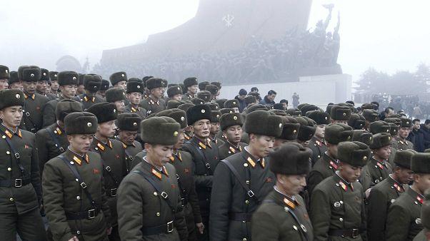 """شاهد: كوريا الشمالية تحتفل بالذكرى الثامنة لرحيل """"الجنرال العظيم"""""""