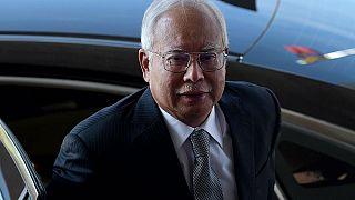 Koruması, eski Malezya Başbakan'ı Necip Rezak'ı cinayete azmettirmek içi suçluyor