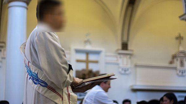 Arjantin'de cinsel istismarla suçlanan rahip intihar etti