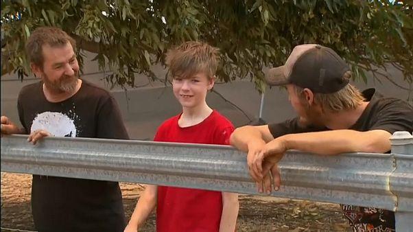 Buschbrände in Australien - 12-Jähriger rettet sich mit dem Auto vor den Flammen