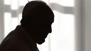 """Βατικανό: Ο Πάπας Φραγκίσκος καταργεί το """"παπικό μυστικό"""" για σεξουαλικά εγκλήματα"""