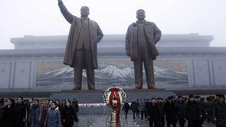 Β. Κορέα: Οκτώ χρόνια από το θάνατο του Κιμ Γιονγκ Ιλ