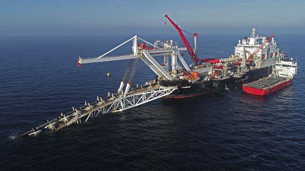 سفينة تعمل في عرض البحر في بحر البلطيق على خط أنابيب الغاز الطبيعي نورد ستريم