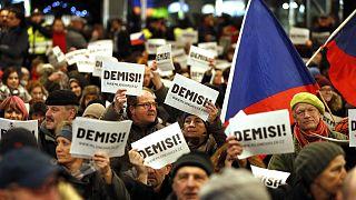 Πράγα: Χιλιάδες «Παραιτήσου» προς τον Αντρέι Μπάμπις
