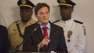 Prefeito do Rio de Janeiro suspende pagamentos a funcionários
