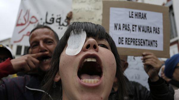 جانب من المظاهرات في الجزائر ضد الانتخابات الرئاسية