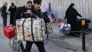 لاجئون سوريون في لبنان يستعدون للعودة إلى الأراضي السورية