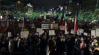هزاران شهروند جمهوری چک بار دیگر خواستار استعفای آندری بابیش، نخست وزیر میلیاردر شدند