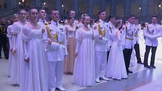 1,500 Russian military students attend Kremlin Cadet Ball