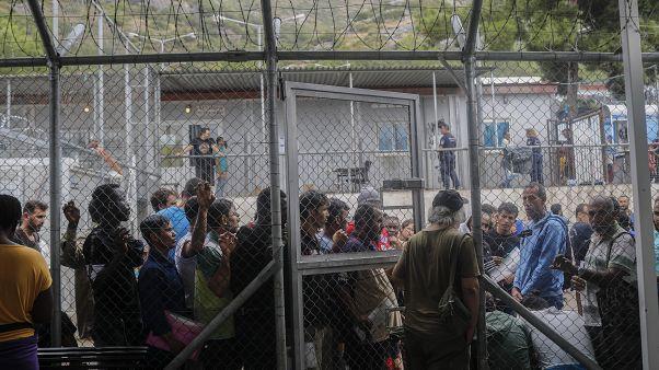 Κομισιόν: Οικονομική στήριξη στις χώρες μέλη που δεσμεύθηκαν να επανεγκαταστήσουν 30.000 πρόσφυγες