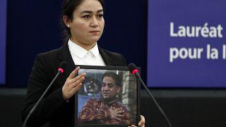 Tohtis Tochter Jewher Ilham nahm den Preis stellvertretend entgegen