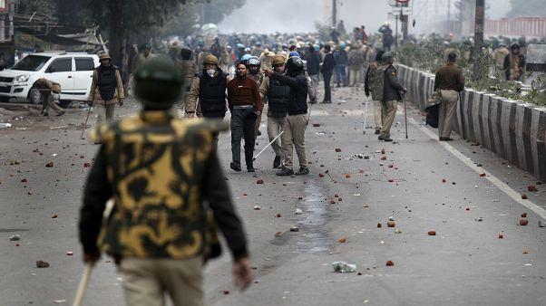 الشرطة الهندية تمنع تجمعات في نيودلهي على خلفية اضطرابات قانون الجنسية