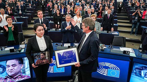اهدای جایزه ساخاروف به دختر مدرس چینی محبوس در زندان