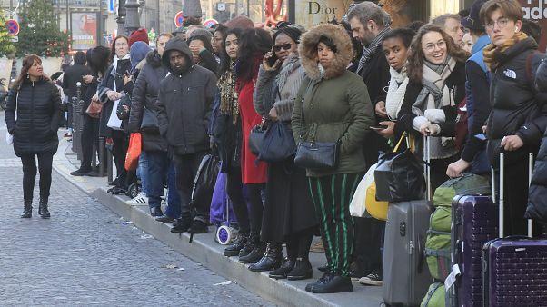 Сага о пенсиях: власти Франции говорят с профсоюзами