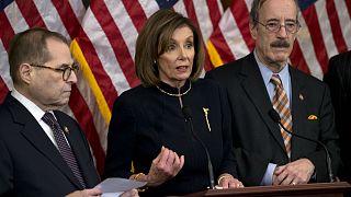 Câmara dos Representantes aprova destituição de Trump