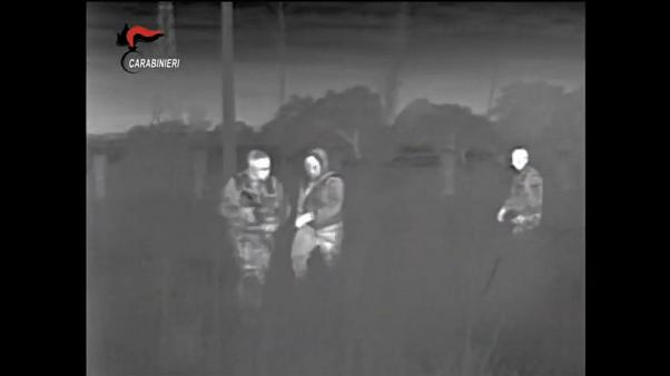 Un fermo immagine del video fornito dai Carabinieri.