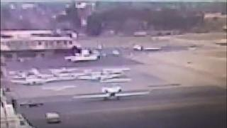 شاهد: مراهقة تسرق طائرة وتحاول الإقلاع بها فتصطدم بسياج المطار