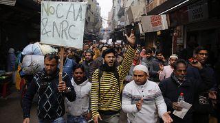 En Inde, le pouvoir se raidit face à la contestation