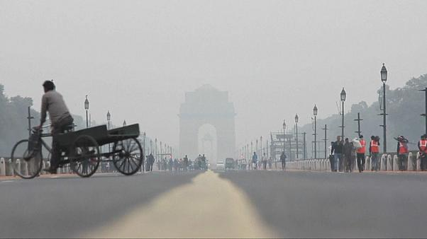 Autoridades indianas tentam travar protestos