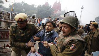 Hindistan'da vatandaşlık yasasına karşı protesto gösterisi