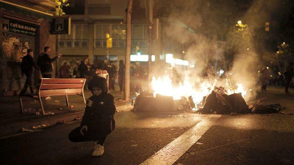 Βαρκελώνη: Tραυματίες από τα επεισόδια έξω από το Καμπ Νου