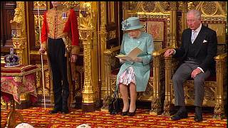 Queen opens new session of UK parliament