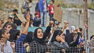 Yunanistan'ın Sisam Adası'nda sığınmacılar, kötü yaşam koşullarını protesto etti