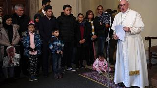 Il Papa riceve 33 migranti di Lesbo e parla del loro dramma al mondo