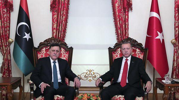 فايز السراج رئيس حكومة طرابلس والرئيس التركي رجب طيب إردوغان