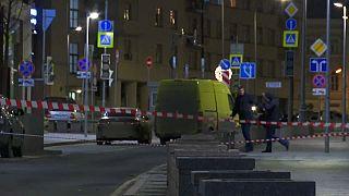 Sparatoria davanti alla sede dell'FSB a Mosca, ucciso un agente